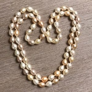 Jewelry - Cultured Pearl String Necklace!